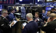"""""""فيسبوك"""" يقود خسائر قطاع التكنولوجيا... تراجع الأسهم بنسبة 20%"""
