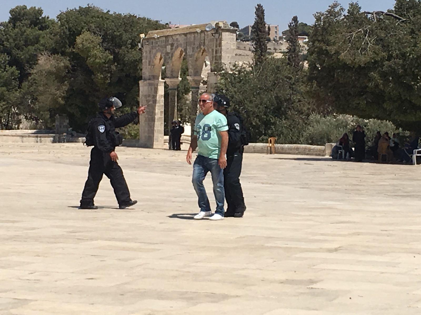 الاحتلال يعيد فتح بوابات المسجد الأقصى