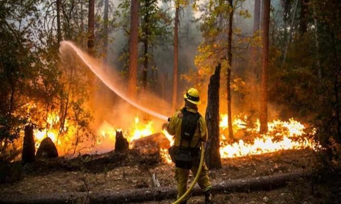 حرائق كاليفورنيا تشرد عشرات الآلاف والحاكم يستغيث
