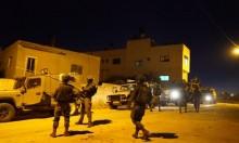 اعتقالات بالضفة والاحتلال يحاصر قرية كوبر لليوم الثالث