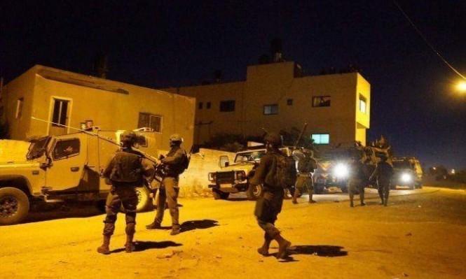 """الاحتلال يعتقل مدير ومراسل ومصور قناة """"القدس"""" برام الله"""