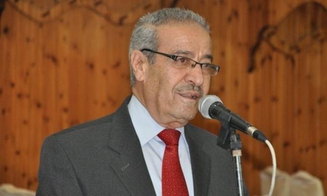خلاف بين عباس والجبهة الديموقراطية على رئاسة دائرة المغتربين