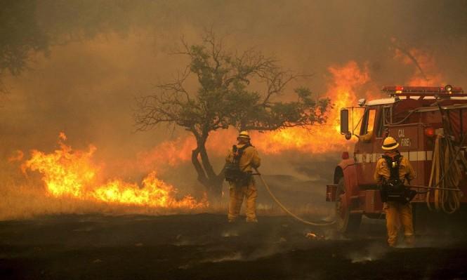 محاولاتٌ للسيطرة على حرائق غابات مُندلعة منذ 10 أيام بكاليفورنيا