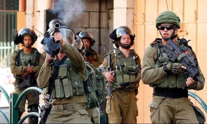 """الاحتلال يقمع مسيرة كفر قدّوم: إصابة بعيار """"مطاطيّ"""" وعشرات بالاختناق"""
