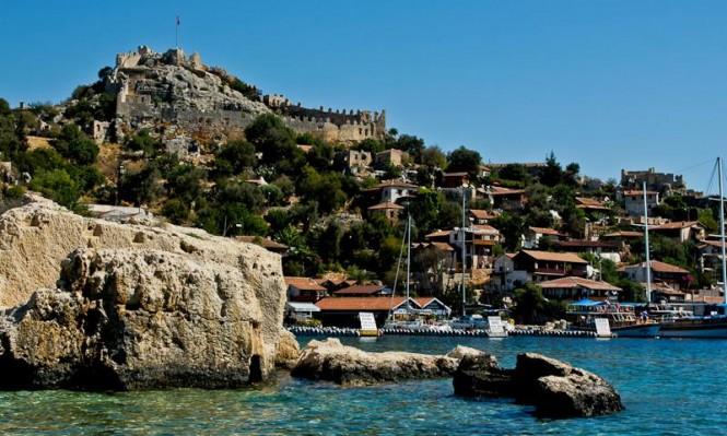 جزيرة كيكوفا التركية... قبلة واعدة للسياح والمستجمين