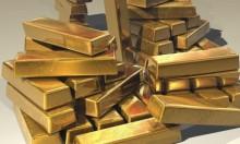 الذهب يتراجع مع ارتفاع الدولار لأعلى مستوى في 13 شهرا