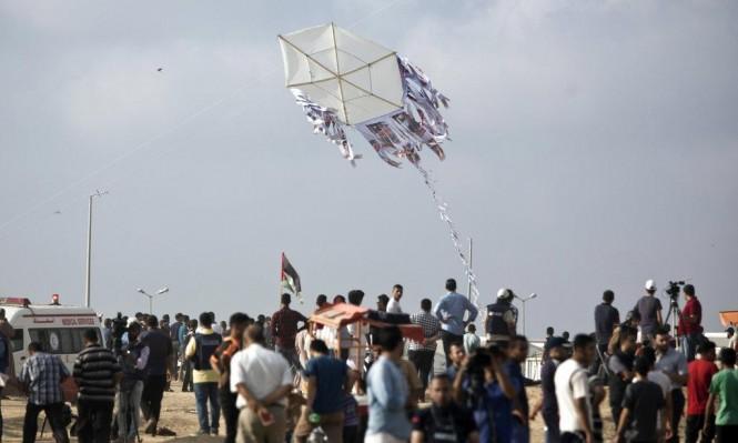 طائرة استطلاع تطلق صاروخا على شبان بغزة