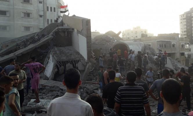 """""""المسحال"""": الاحتلال يدمر مبنى يضم مقر الجالية المصرية في غزة"""