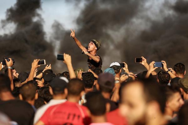 غزة: شهيدان بينهما مسعف برصاص الاحتلال