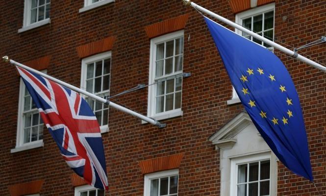 الاقتصاد البريطاني ينمو بوتيرة سريعة لكنه يواجه عقبات الانفصال