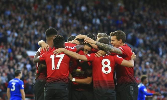 مانشستر يونايتد يفتتح الدوري بالفوز مانشستر يونايتد يفتتح الدوري بالفوز