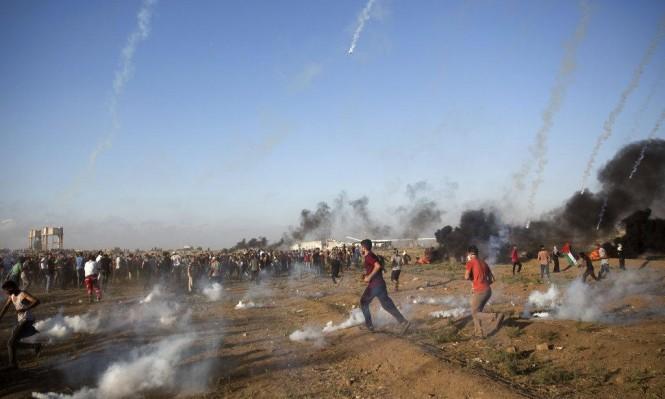 """تشييع شهداء """"الحرية والحياة"""" والاحتلال يقصف بغزة"""