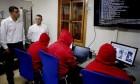 تشريعات إسرائيلية لتقييد الحريات في الإنترنت