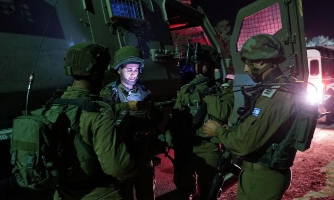 """اعتقال 21 فلسطينيا وإخطار بهدم منزل منفذ عملية """"الأمعري"""""""