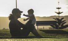 محادثة الطفل منذ ولادته تنمي مهاراته اللغوية