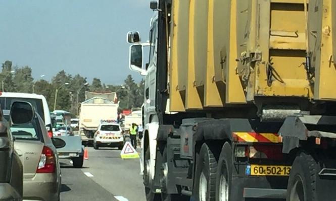 إصابات في حادث بين شاحنة وحافلتين قرب دالية الكرمل