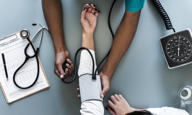 دراسة: تراكم دهون البطن يرفع معدلات ضغط الدم