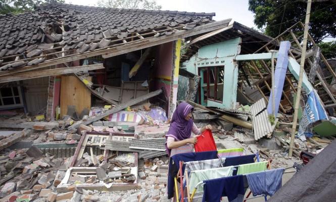 زلزال بقوة 6.3 يضرب جزيرة لومبوك الإندونيسية