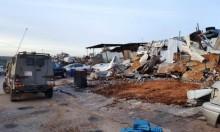 إخطارات بوقف البناء لمحال تجارية ببرطعة وهدم خيمة بيطا