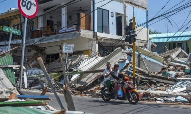 عشرات القتلى والجرحى بزلازل ضربت لومبوك الإندونيسية
