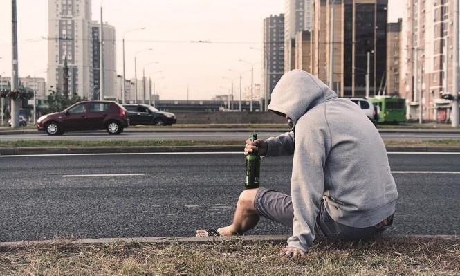 شرب الكحول في مرحلة المراهقة قد يتسبب بسرطان البروستاتا لاحقا