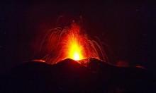 إيطاليا: بركان إتنا يثور مجددا