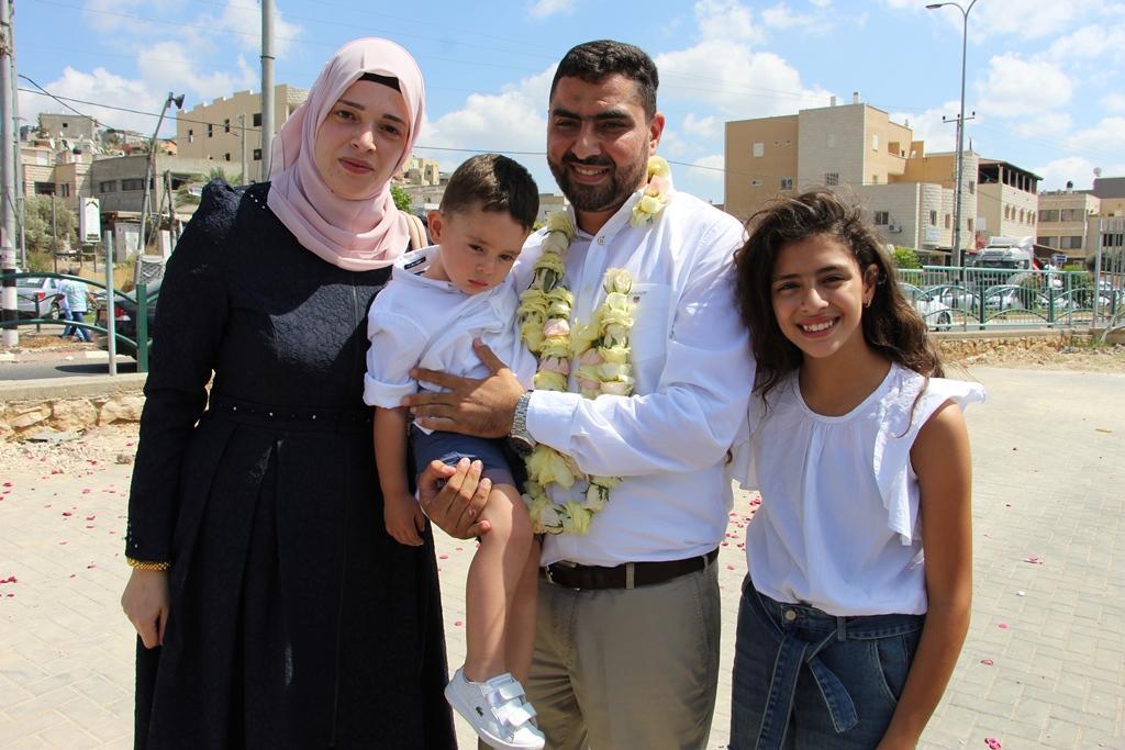 عرابة تستقبل ابنها الأسير المحرر حكمت نعامنة