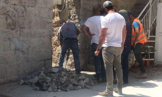 الاحتلال يفتتح بوابة من باب العامود على حارة النصارى
