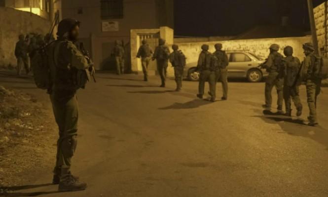اعتقال 16 فلسطينيا بالضفة وتوغل عسكري بغزة