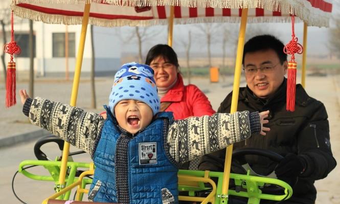 """الصين تتجه لإلغاء سياسة """"الطفل الواحد"""" بعد سياسة """"الطفلين"""""""