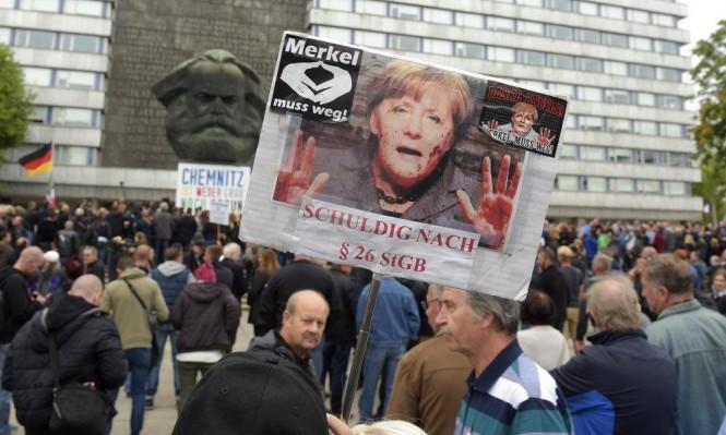 تظاهرات مناصرة وأخرى مناهضة للمهاجرين بألمانيا