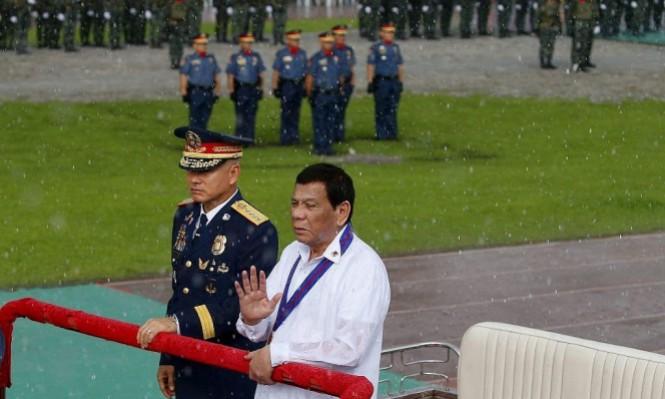 الجانب الخفي من زيارة الرئيس الفلبيني: صفقات سلاح وعقود نفط