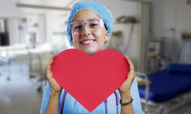 مساهمة تطبيقات الهواتف الذكية بالتزام مرضى القلب بأدويتهم