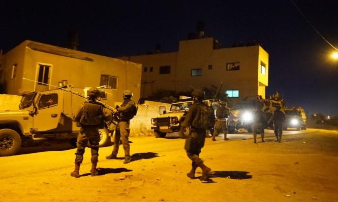 مستوطنون يستولون على منزل بالخليل واعتقال27 فلسطينيا بالضفة