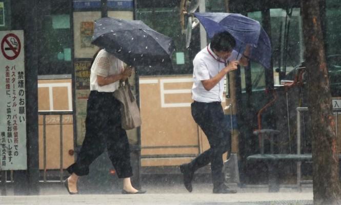 """اليابان: تسعة قتلى وأضرار جسيمة بإعصار """"جيبي"""""""