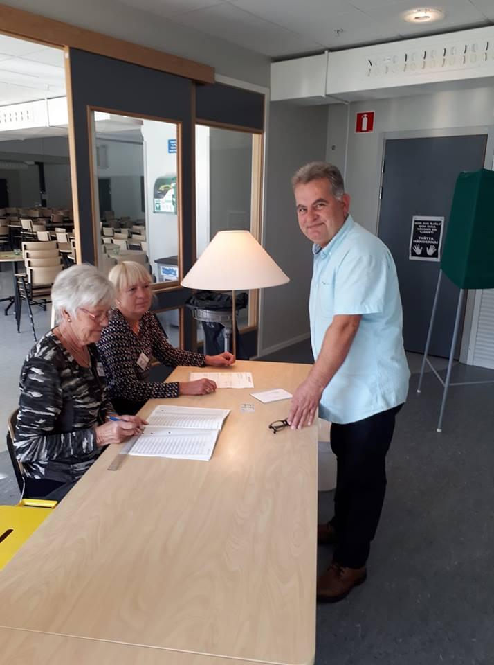 السويد: لاجئون سوريون يصوتون للمرة الأولى في حياتهم