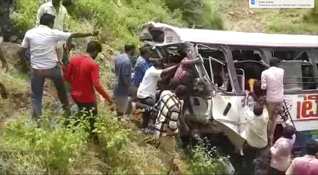 حوادث الهند: مصرع 45 وإصابة 25 في سقوط حافلة