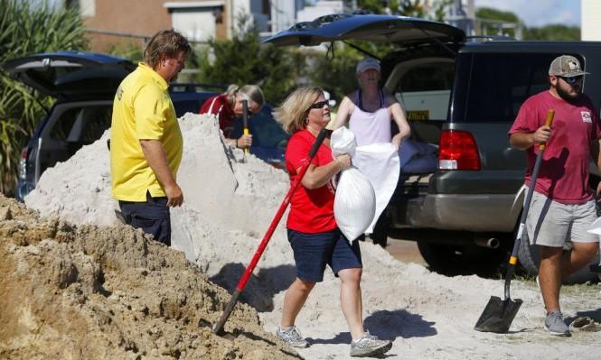"""السلطات الأميركية تُخلي مليون شخص تحسبا من إعصار """"فلورانس"""""""