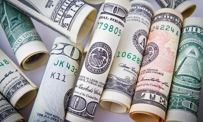 ارتفاع قيمة الدولار بفعل المخاوف من نزاع تجاري أميركي - الصيني