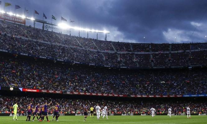 """""""لا ليغا"""": برشلونة وريال مدريد في رحلة إلى إقليم الباسك"""