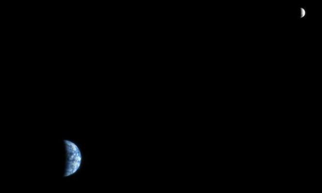 ظاهرة فلكية: قوس يجمع الزهرة والمشتري وزحل والمريخ والقمر