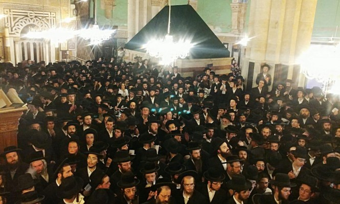 آلاف المستوطنين يقتحمون الإبراهيمي وقبر يوسف واعتقالات بالضفة والقدس