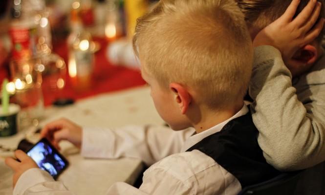تطبيق يسمح للأهل بمتابعة استخدام أطفالهم للهواتف الذكية