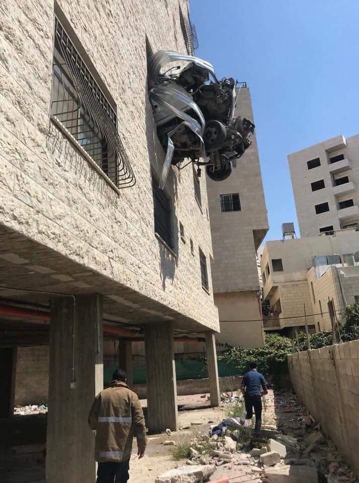 نابلس: مصرع شابين استقرت مركبتهما على شباك مبنى