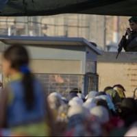 جنود الاحتلال.. تحرش جنسي وسرقة أموال وممتلكات من فلسطينيين