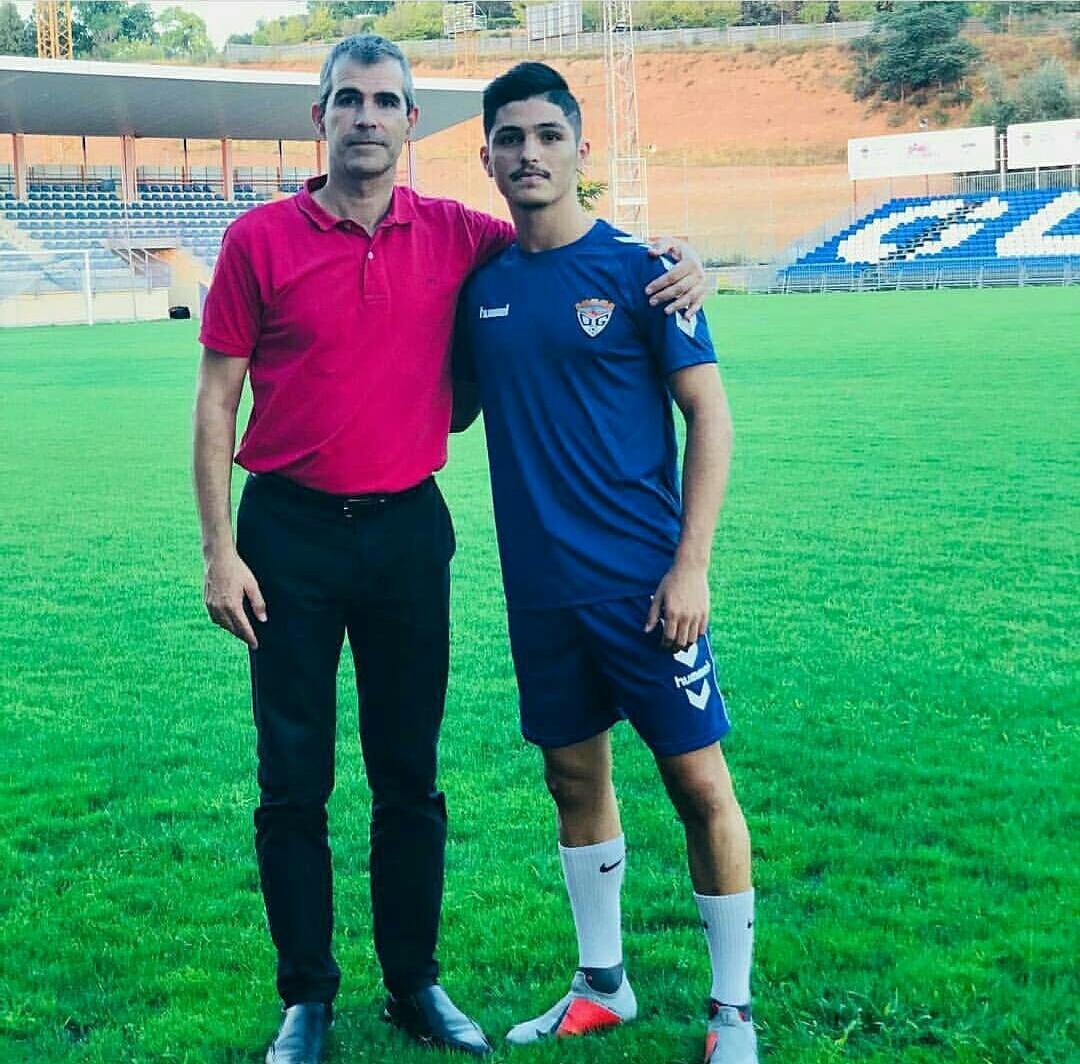 اللاعب عمر خليل ينتقل للاحتراف في إسبانيا