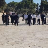 اعتقالات واقتحامات للأقصى والاحتلال يغلق الإبراهيمي