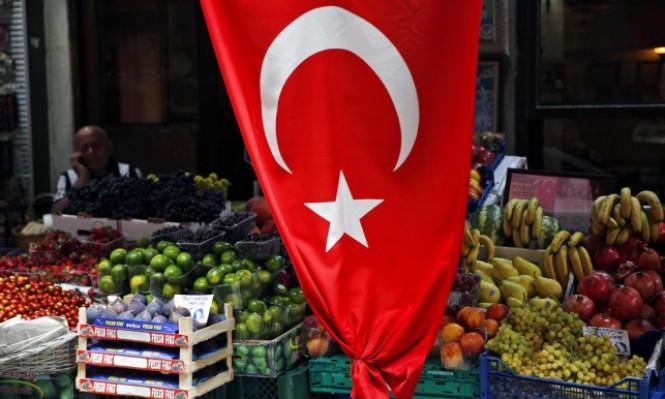 مباحثات حول القس أندرسون تنعش الليرة التركية