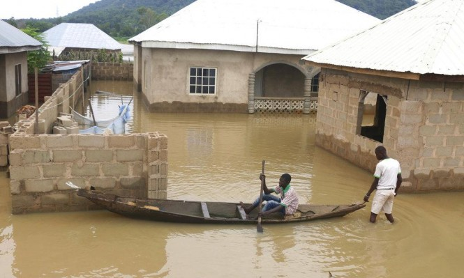 مصرع 200 شخص غرقا جراء الفيضانات في نيجيريا