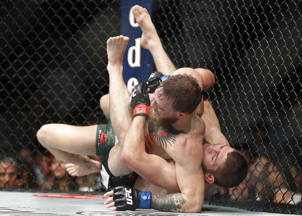 فيديو: محمدوف يتوّج بلقب UFC للوزن الخفيف